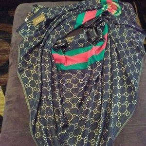 Gucci wrap scarf